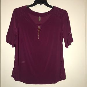 Maroon Short Sleeve Top with Zipper & Cut Out, XL